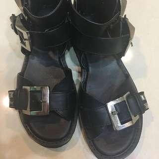 2手Ann's涼鞋