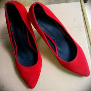 Reprice Preloved Red Heels Mimosa