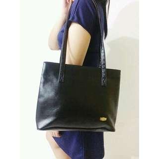 Vinanson Leather Handbag Import From Italy