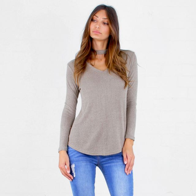 BACK BY DEMAND!! Curved Hem L/S Choker Top