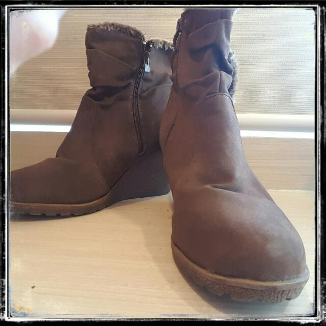 Brown Leather Mid Size Boots