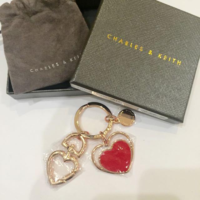 CHARLES & KEITH 愛心造型吊飾 小CK 送禮
