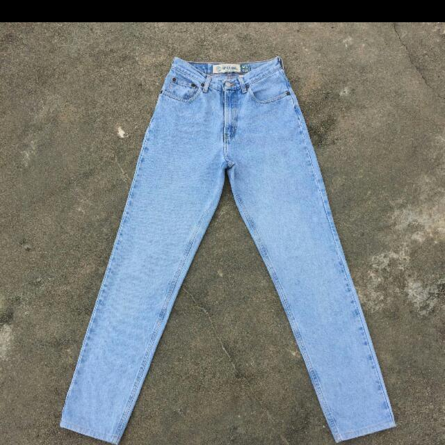 Im Looking For This Type Of Classic Jeans