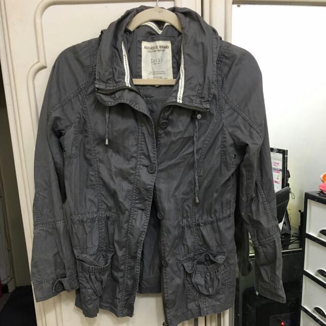 Lativ風衣外套