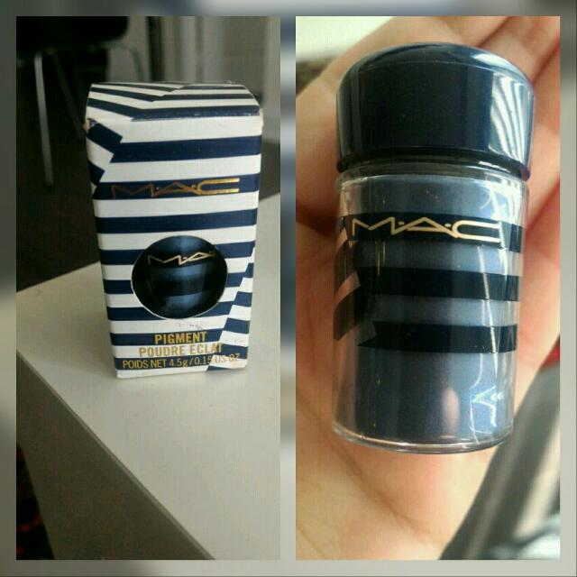"MAC Eyeshadow Pigment ""Naval"" Special Edition"