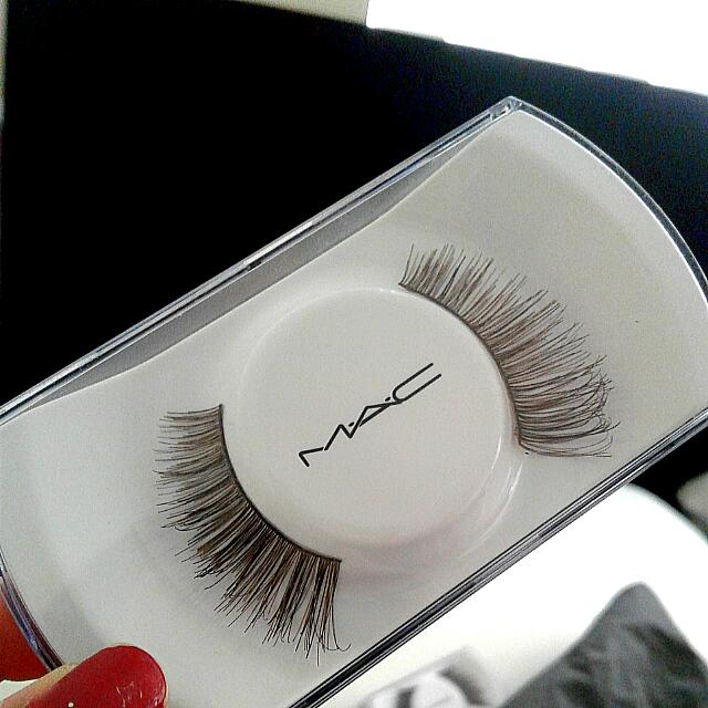MAC False Lashes #34 NEW