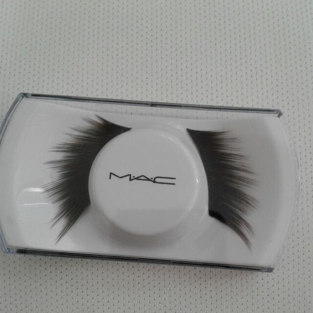 MAC False Lashes #42 NEW
