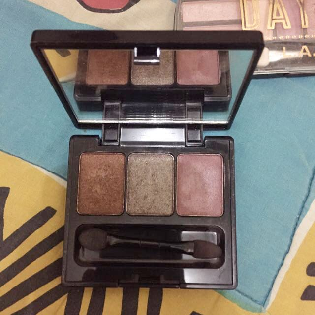 MAKE OVER Trivia Eyeshadow