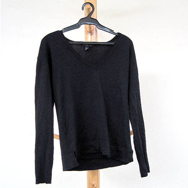 MANGO black long sleeves pullover (medium)