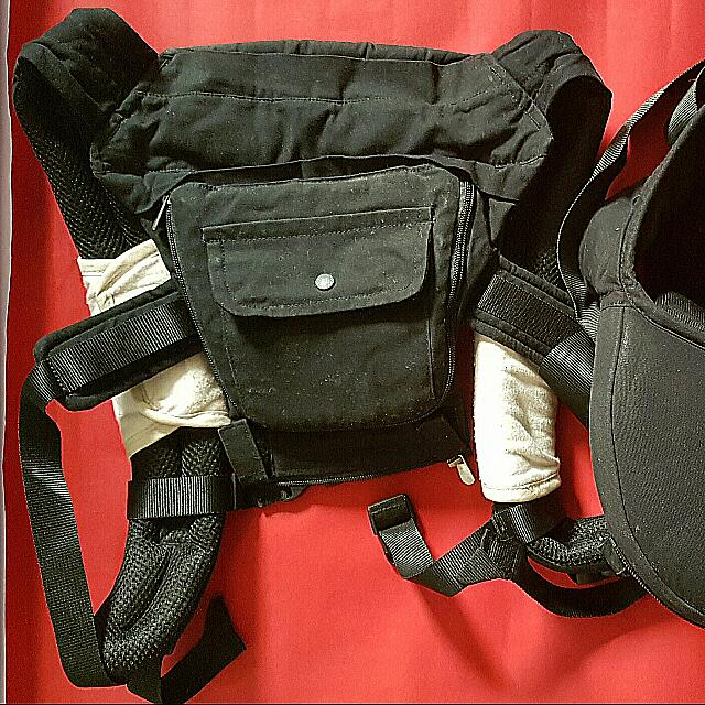 Picolo Carrier With Hip Seat