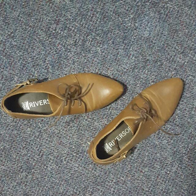 Riversoft Leather Shoes Size 8