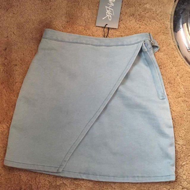 Size 6 wrap skirt