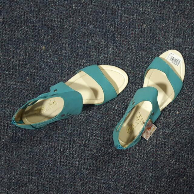 Teal Sandals Size 8