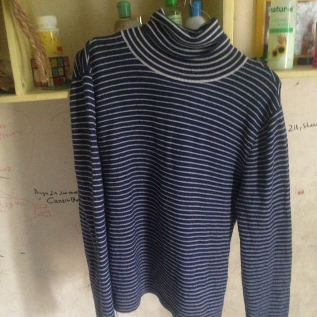 Turtleneck Biru Size S Fit To M