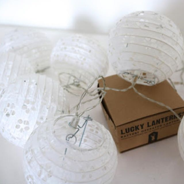 Typo White Lanterns