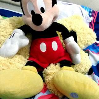 Mickey Disney & Pluto.