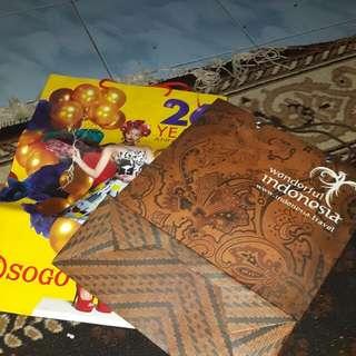 2 Buah Paperbag Sogo Ukuran Besar Dan Batik..good Condition