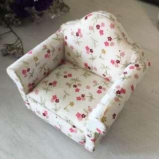 Dollhouse Sofa Floral Pattern