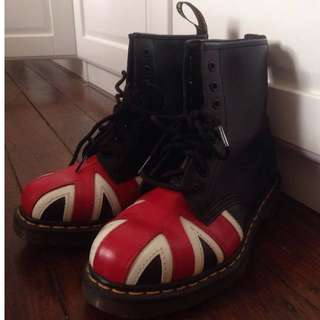 REDUCED Union Jack Leather Boots by Doc Martens