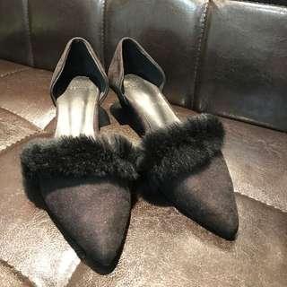 黑色環保皮草根鞋