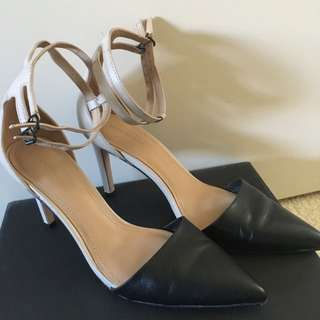 Country Road Colour Block Heel Shoes