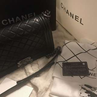 Authentic Chanel Le boy Caviar 25