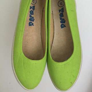Daily Flat Shoes - Green