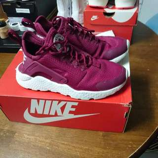 Nike Air Huarache Run Ultra Size 5