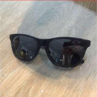 0f60fa904d4a7 Oakley Frogskin Sunglasses   Shades