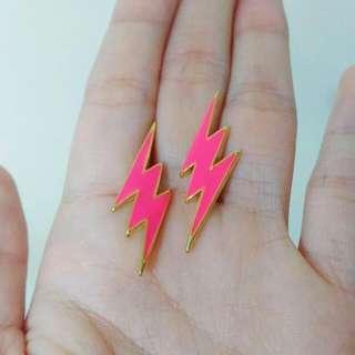 🚚 桃紅 閃電 耳環 桃紅色 螢光色 螢光粉 螢光 粉紅