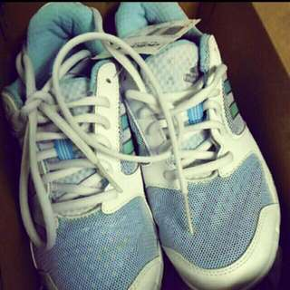 全新adidas女運動鞋 J36號