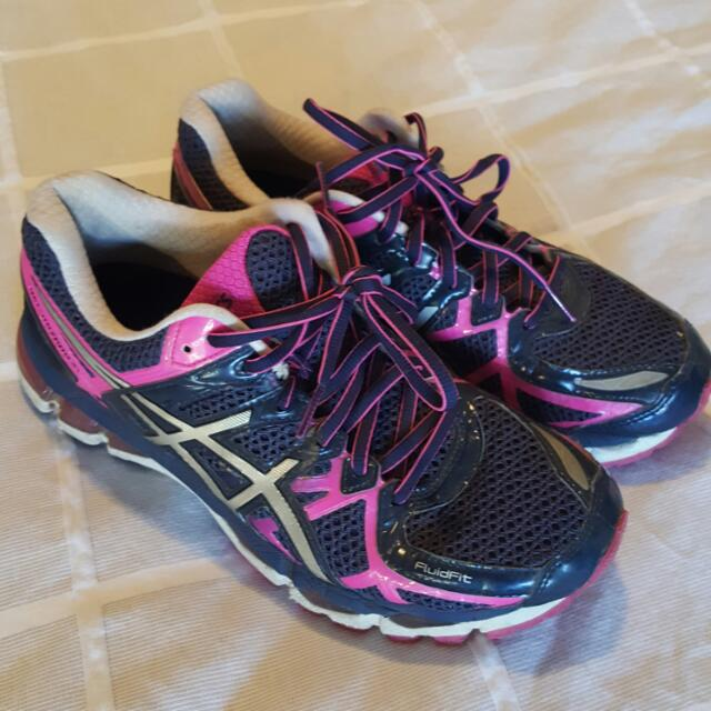Asics Gel Kayano 22 Size 8  Great Condition!