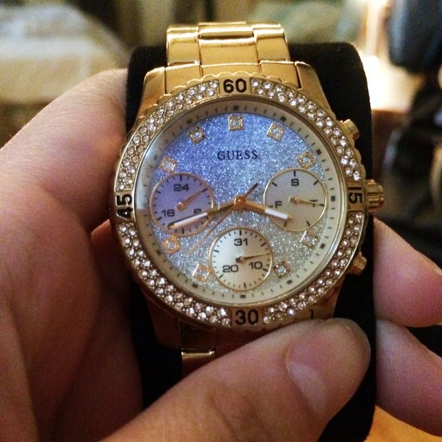 AUTENTIC Gold Sparkly GUESS Watch