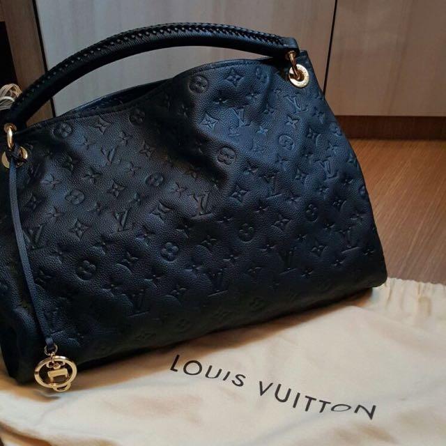 f1e242d61ea Authentic Louis Vuitton Artsy Infinity Empreinte MM, Luxury, Bags ...