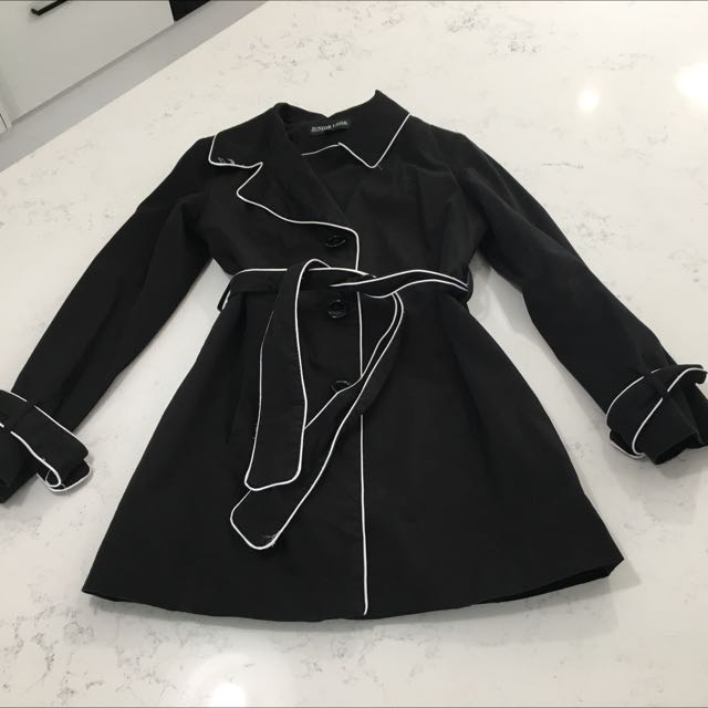 Black Knew Length Coat With White Trim