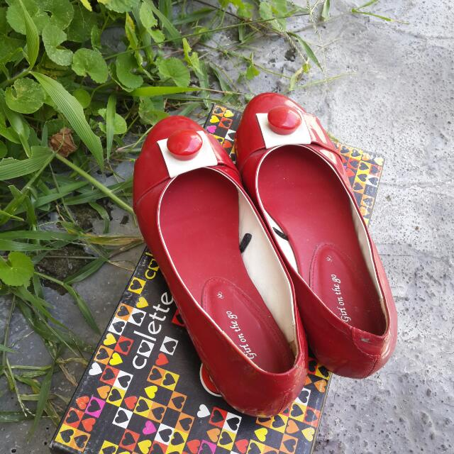 Collete Red Flat Shoes