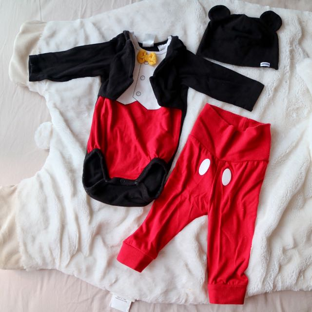 PRE-LOVED H&M 3-piece Set Mickey Mouse Outfit