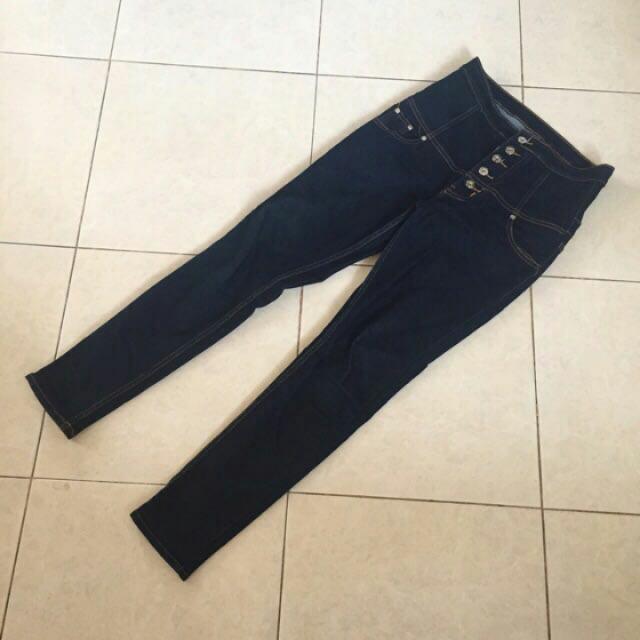 HW Dark Blue Jeans
