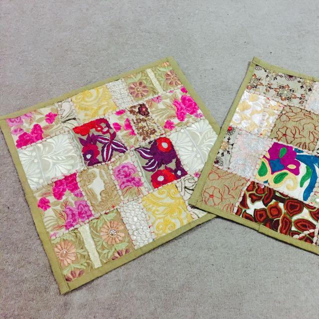 """""""Khambadia"""" Multicolour Cushion Cover Set."""