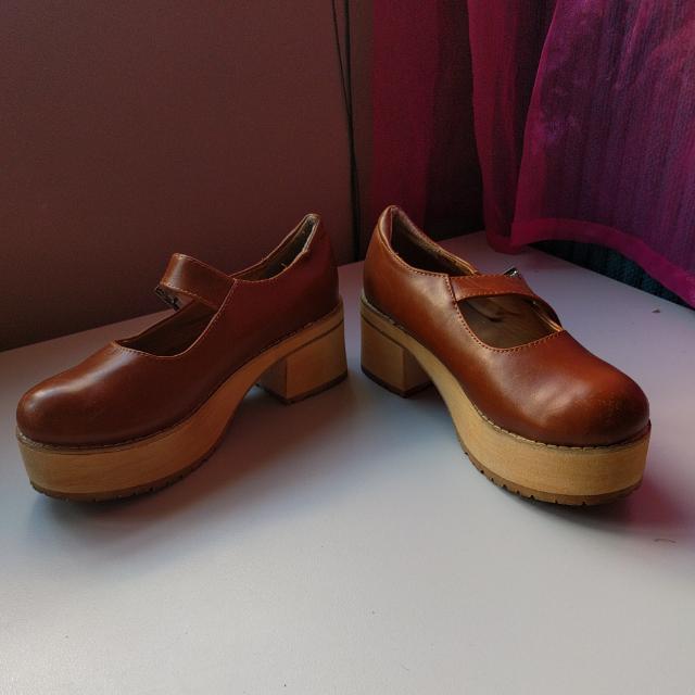 Korean Clogs Size 7.5