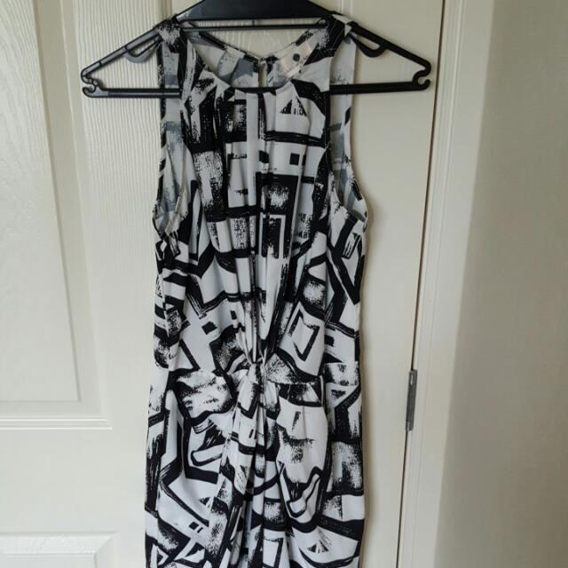Long black and white dress sz8