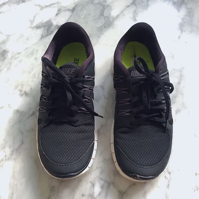 Nike Free 5.0 size 39/8 - 100% Authentic