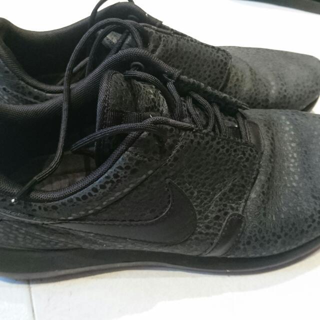 d7f505f1d87c ... sneakers 3fc5a f27c0  wholesale nike roshe run nm safari triple black  mens fashion footwear on carousell 65f38 ad929