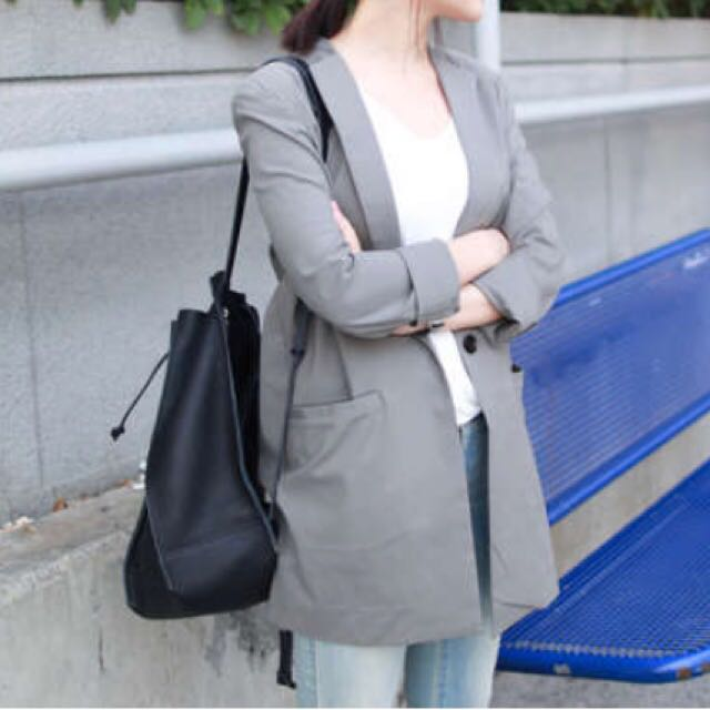 #nude 軍綠色長版西裝外套