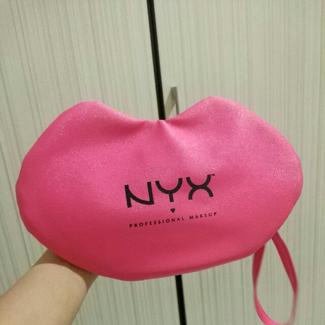 Pouch Lips From NYX