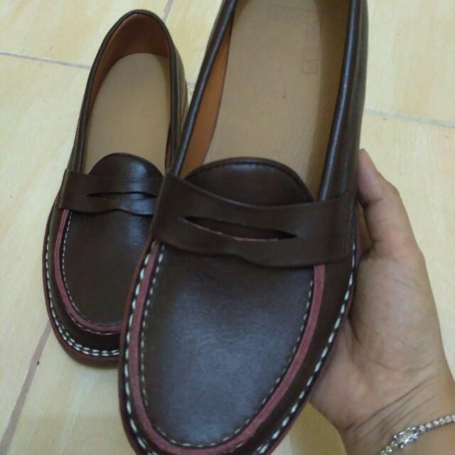 Sepatu Merk Label Lous No.42 Kondisi 90% Msh Bgus Tdk Ada Cacat