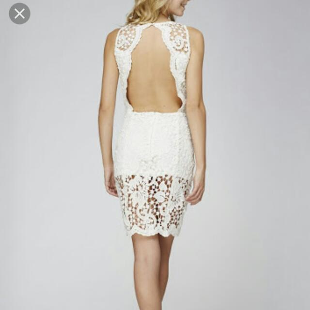 Stunning Lace Backless Dress