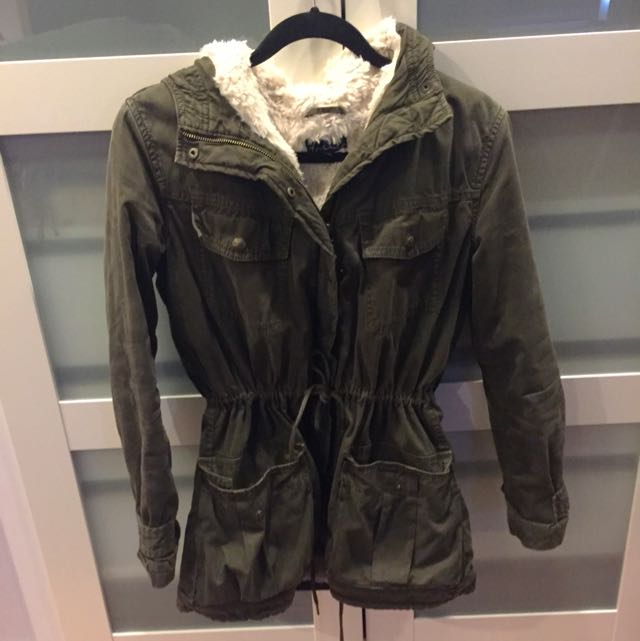 Talula TNA Aritzia Green Trooper Military Fur Lined Jacket