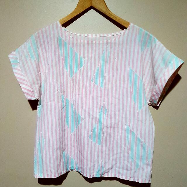Vintage Women's 80s 90s Triangle Print Tshirt