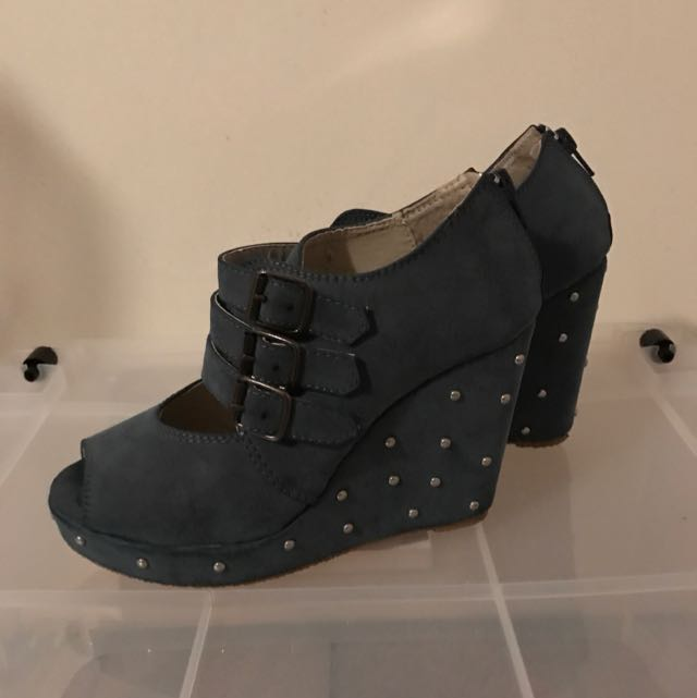 Wedges In Blue